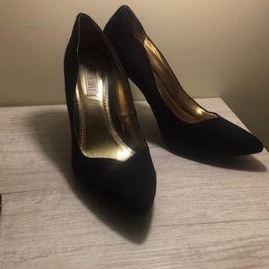Closed toe heels